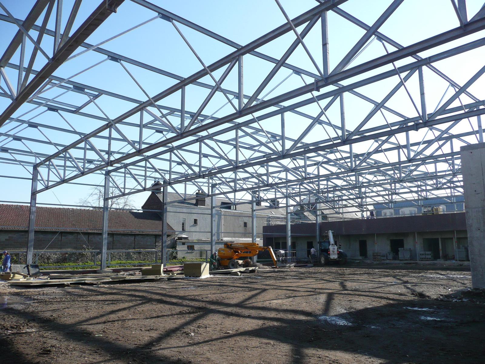 Structure métallique (portée 20 mètres)